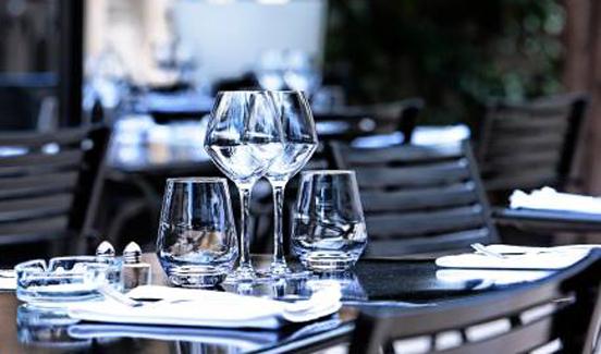 restaurant_cour_honneur_avignon_2